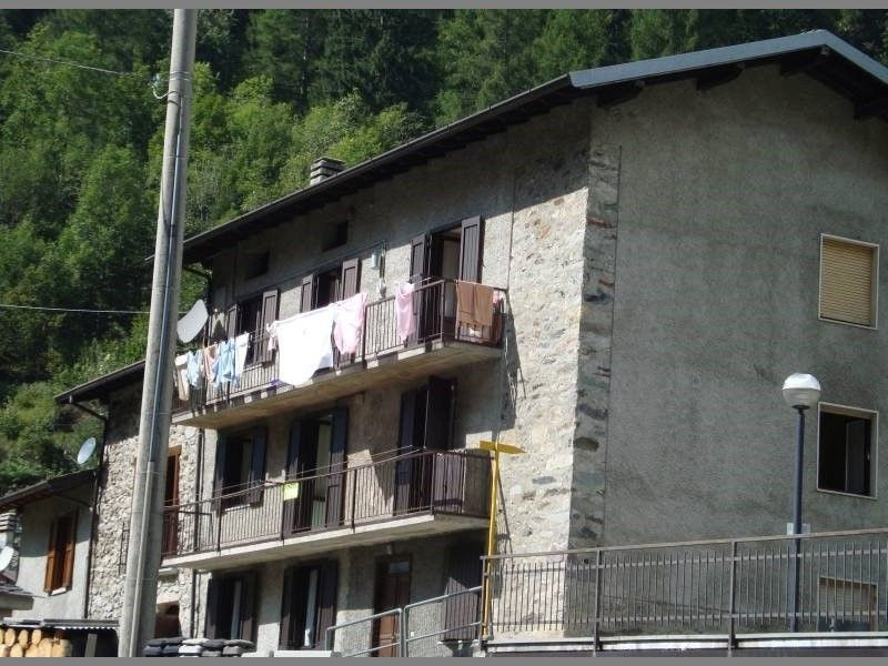 Appartamento in vendita a Carona, 3 locali, prezzo € 95.000 | CambioCasa.it