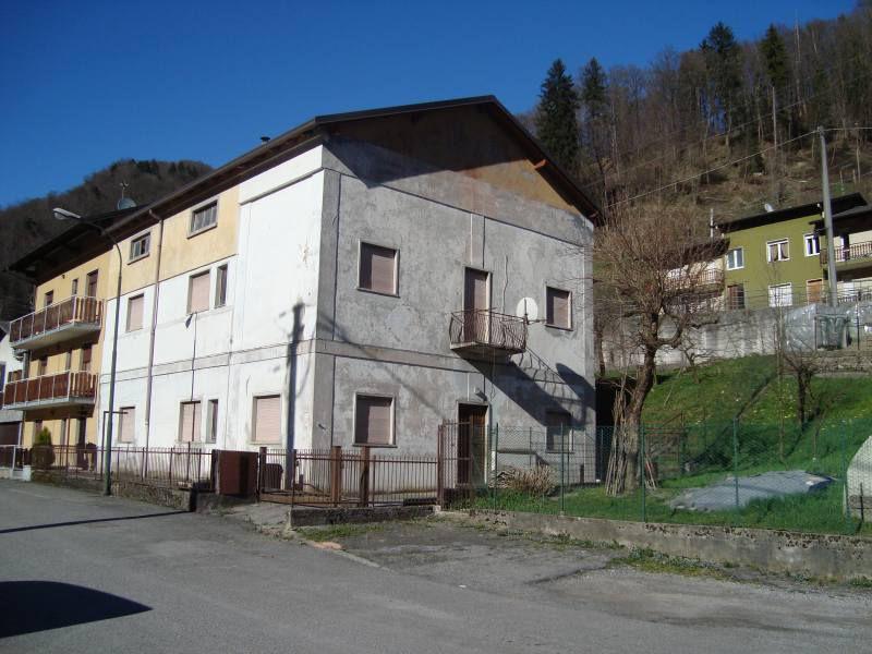 Soluzione Indipendente in vendita a San Pellegrino Terme, 14 locali, prezzo € 179.000 | PortaleAgenzieImmobiliari.it