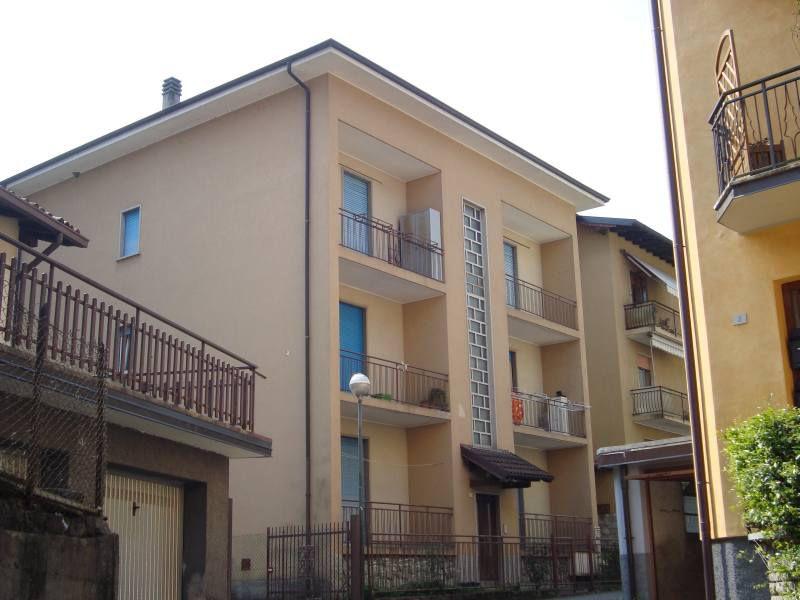 Appartamento in vendita a San Giovanni Bianco, 4 locali, prezzo € 42.000 | CambioCasa.it