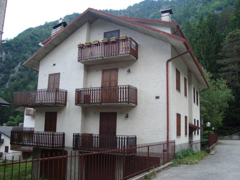 Appartamento in ottime condizioni arredato in vendita Rif. 4778292