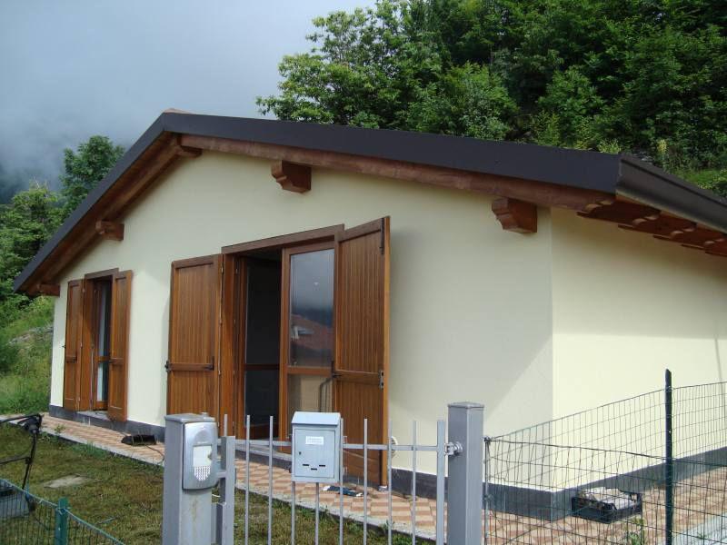 Villa in vendita a Camerata Cornello, 4 locali, prezzo € 125.000   PortaleAgenzieImmobiliari.it