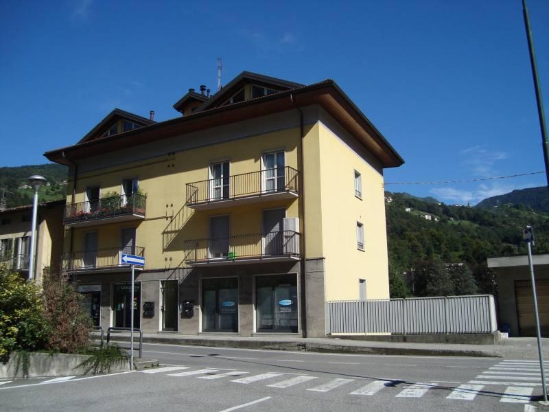 Appartamento in vendita a San Giovanni Bianco, 5 locali, prezzo € 150.000 | CambioCasa.it