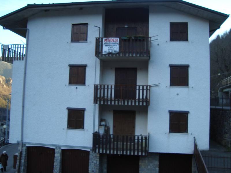 Appartamento in buone condizioni arredato in vendita Rif. 4778306