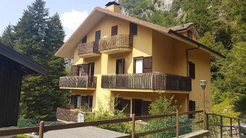 Appartamento in ottime condizioni arredato in vendita Rif. 10800595