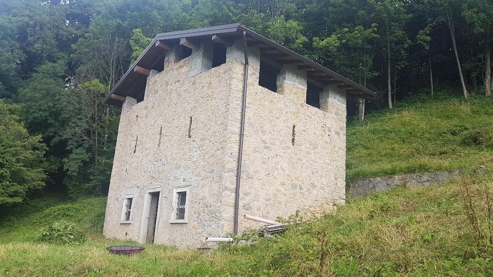 Rustico / Casale in Vendita a San Giovanni Bianco