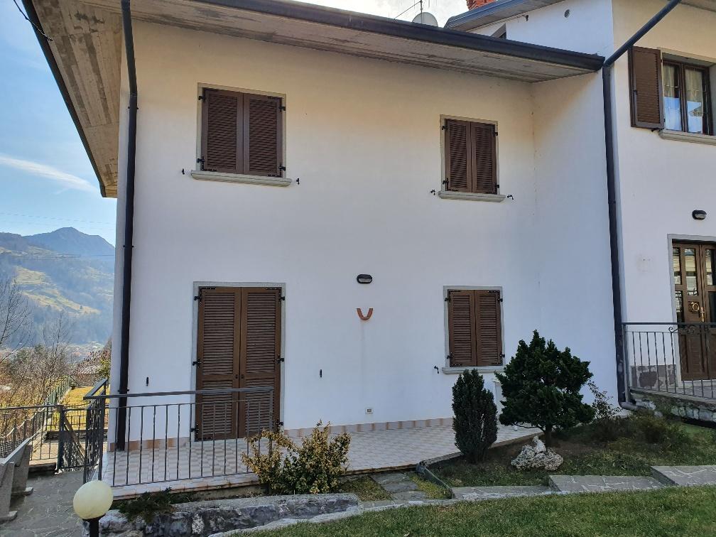 Villa in Vendita a San Giovanni Bianco