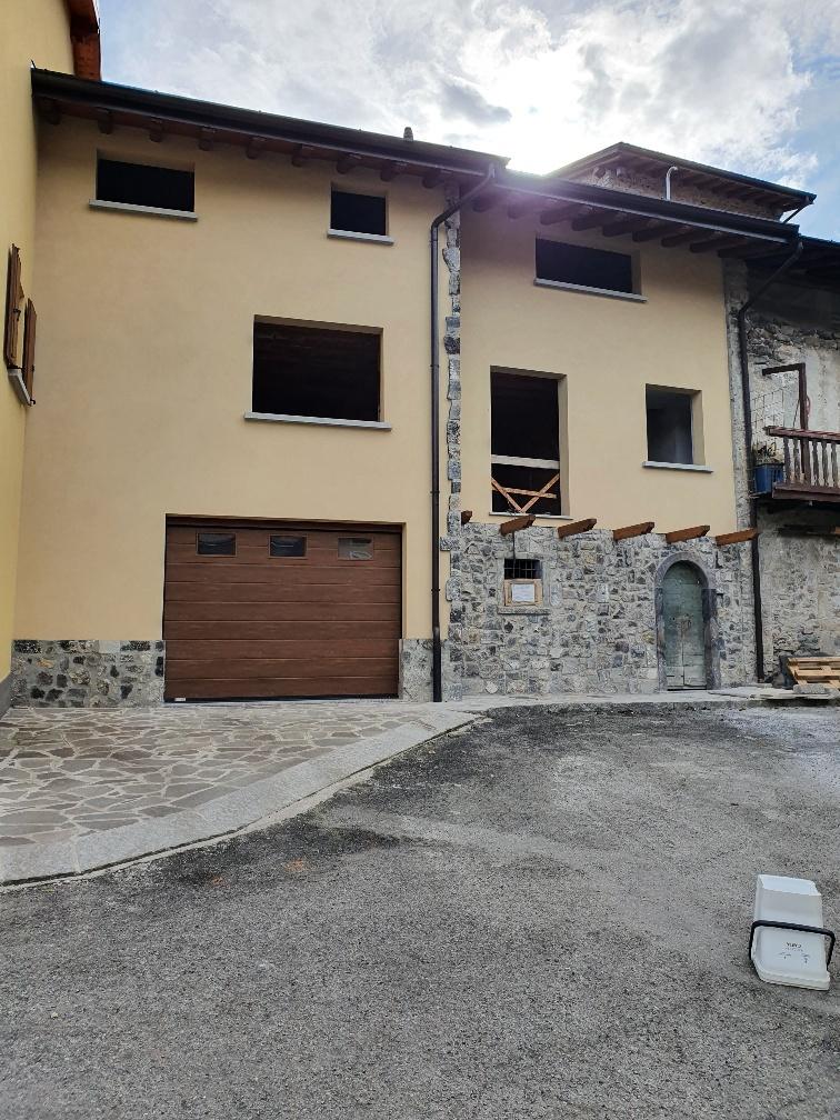 Casa Indipendente in discrete condizioni in vendita Rif. 12231867