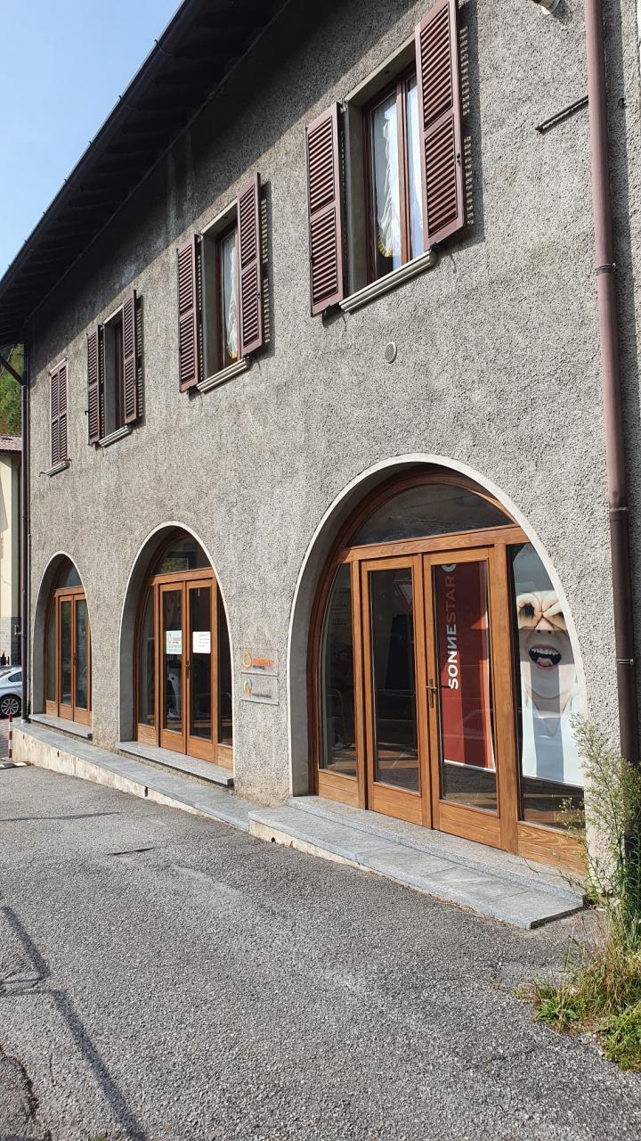 Negozio / Locale in vendita a Zogno, 3 locali, prezzo € 135.000 | PortaleAgenzieImmobiliari.it