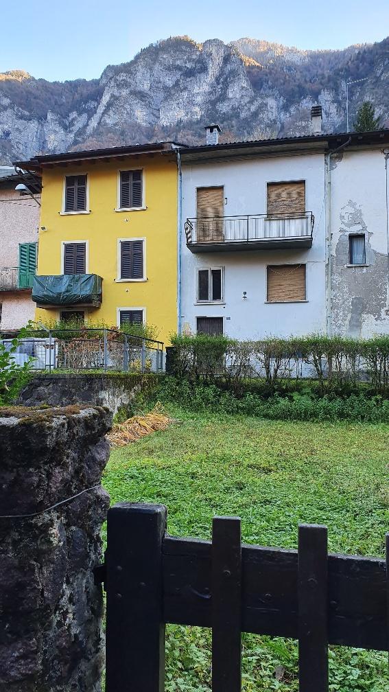Soluzione Indipendente in vendita a Lenna, 8 locali, prezzo € 65.000 | PortaleAgenzieImmobiliari.it