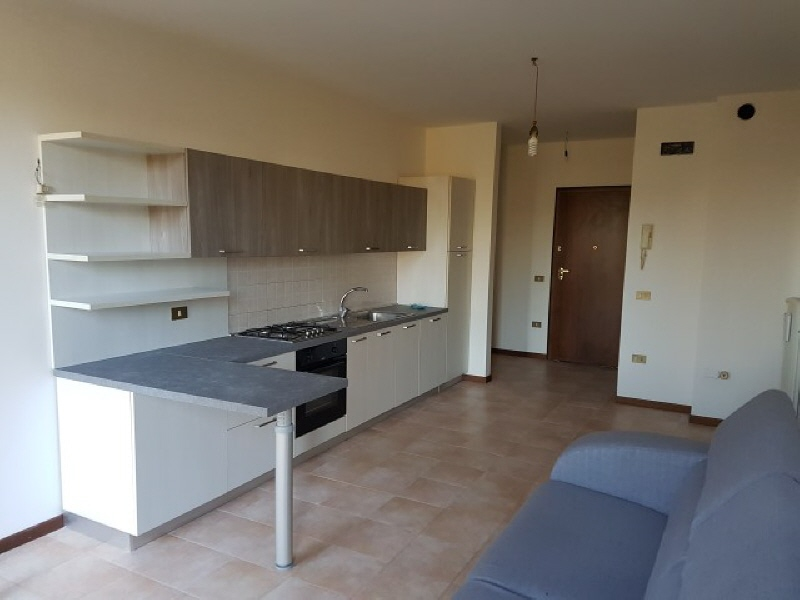 Appartamento in buone condizioni in vendita Rif. 9328495