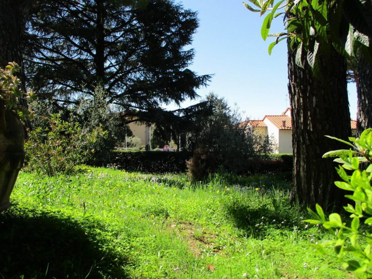 Villa - Casa, €800.000, Vendita - Prato (PO)