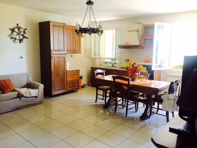 Soluzione Indipendente in vendita a Cecina, 5 locali, prezzo € 230.000   Cambio Casa.it