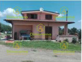 Villa a Schiera in vendita a Rignano Flaminio, 8 locali, prezzo € 59.250 | CambioCasa.it
