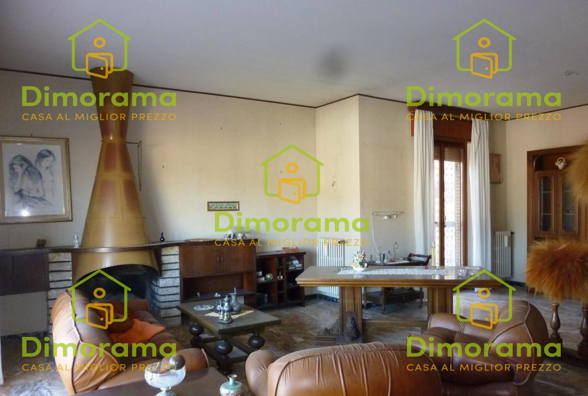 Appartamento quadrilocale in vendita a Orte (VT)