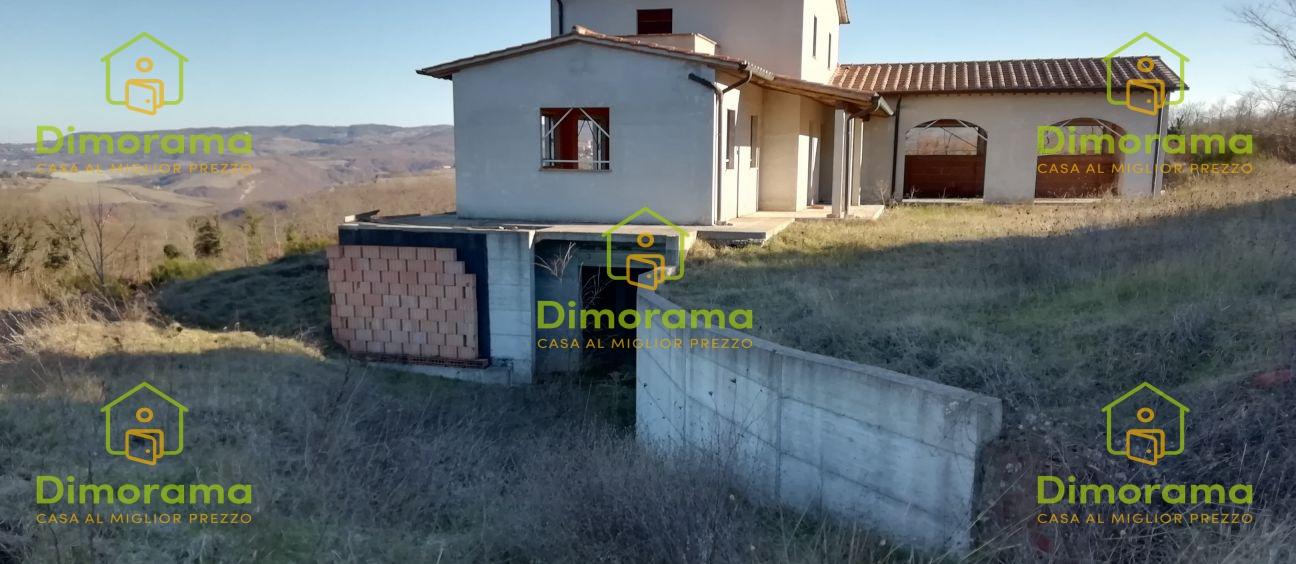 Appartamento trilocale in vendita a Acquapendente (VT)