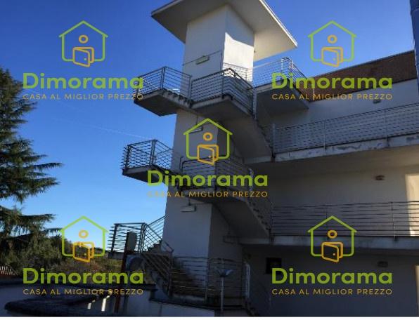 Appartamento in vendita a Sutri, 2 locali, prezzo € 27.000   CambioCasa.it