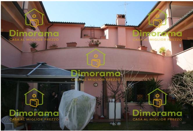 Villa a Schiera in vendita a Morlupo, 6 locali, prezzo € 101.852 | CambioCasa.it