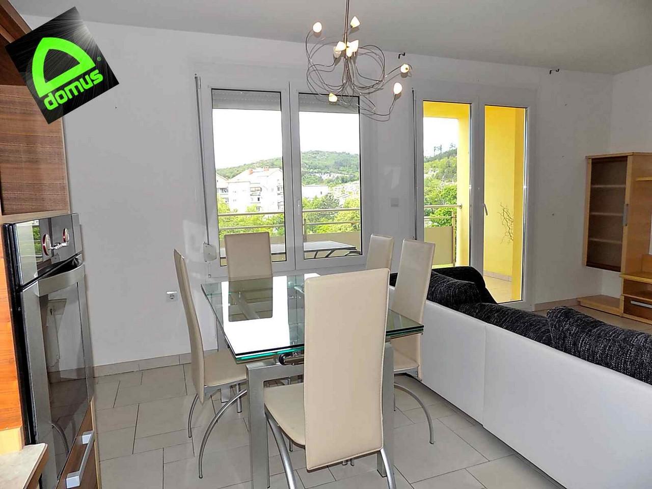 Appartamento trilocale in affitto a Monrupino (TS)