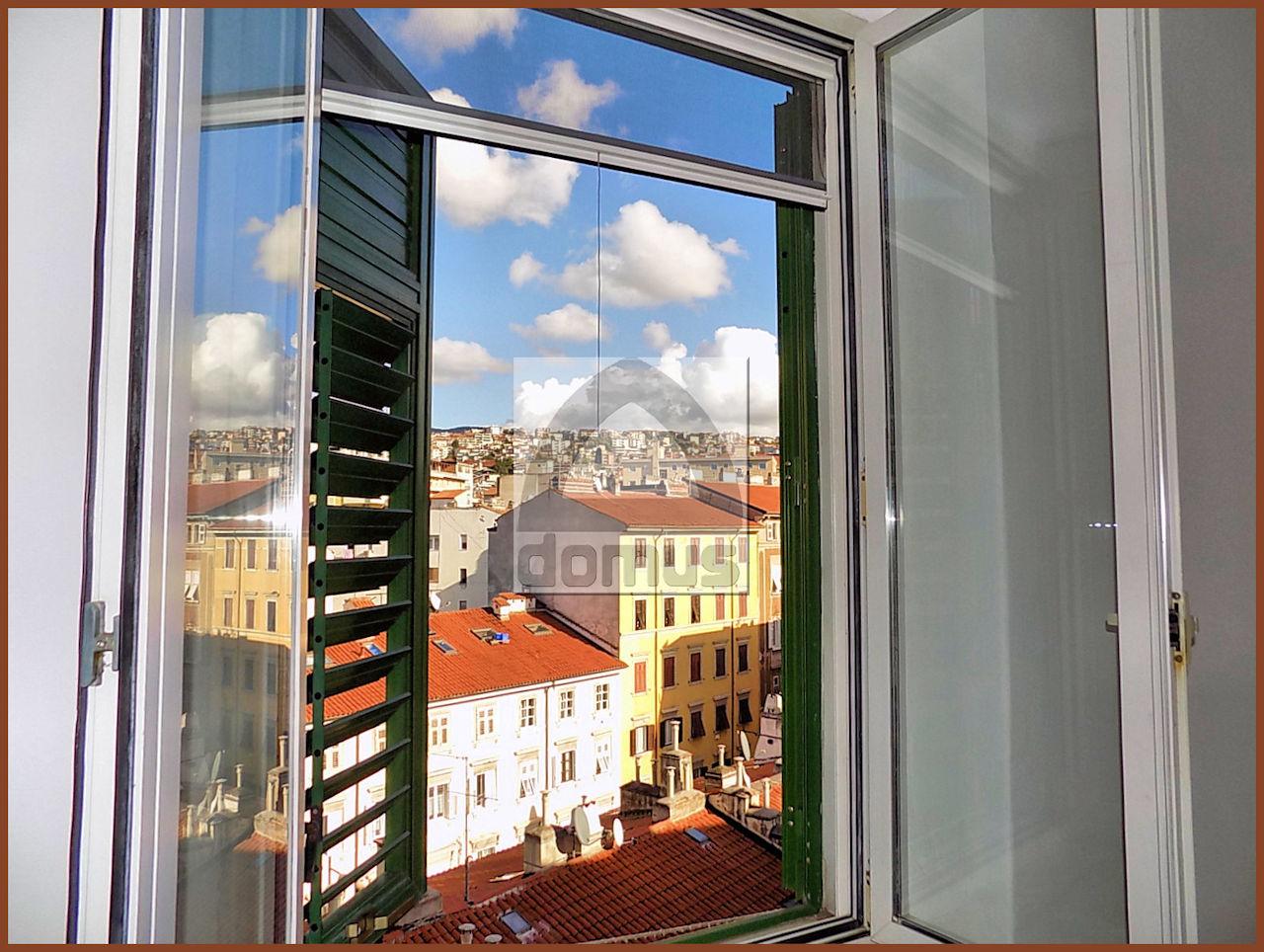 Appartamento da ristrutturare arredato in affitto Rif. 11492661