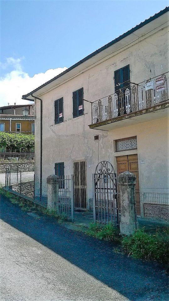 Appartamento da ristrutturare in vendita Rif. 4779282