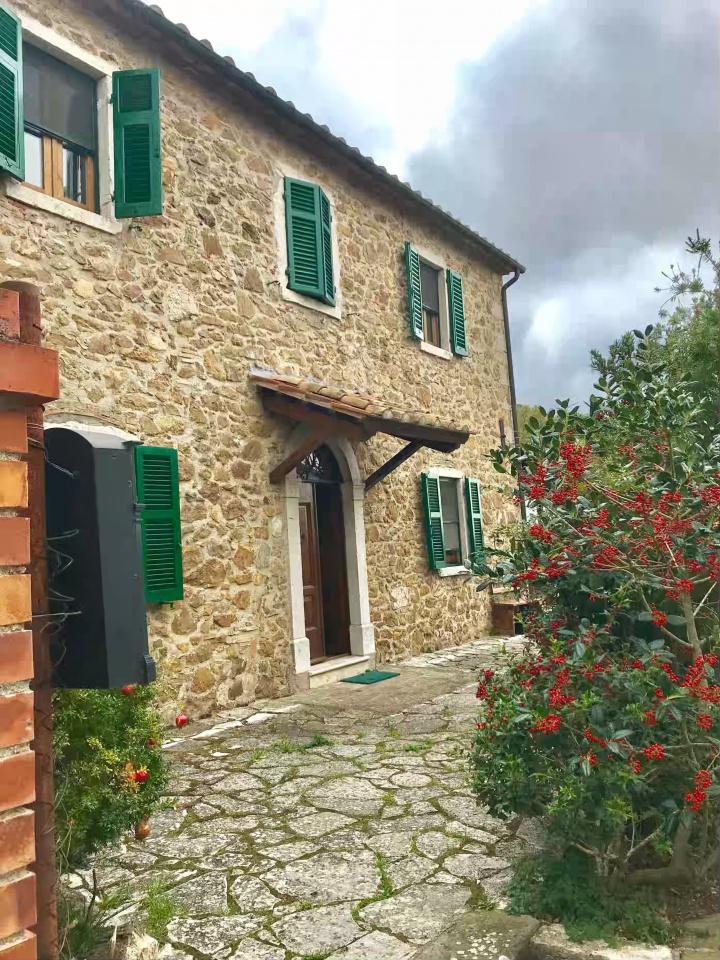 Rustico / Casale ristrutturato in vendita Rif. 9964840
