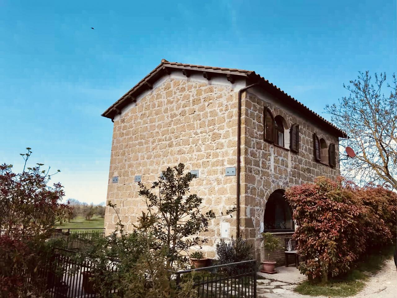 Rustico / Casale ristrutturato in vendita Rif. 7037354