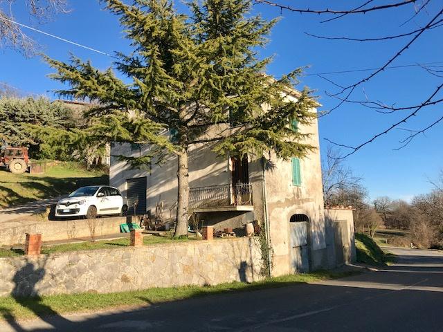 Rustico / Casale in vendita a Semproniano, 4 locali, prezzo € 90.000 | CambioCasa.it