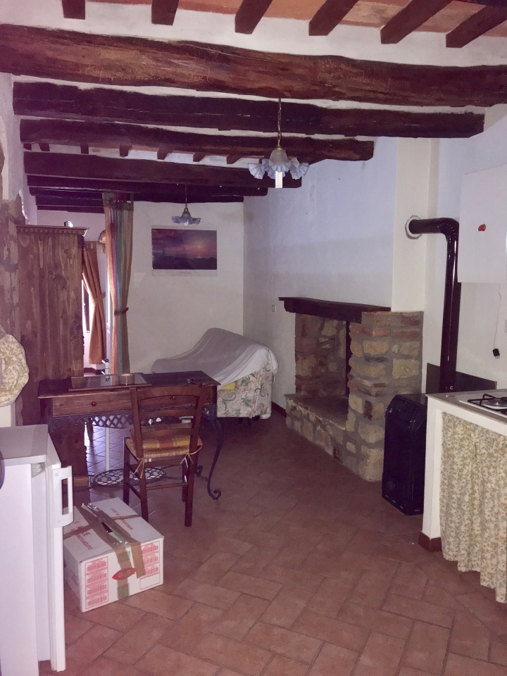 Appartamento in buone condizioni in vendita Rif. 9888503