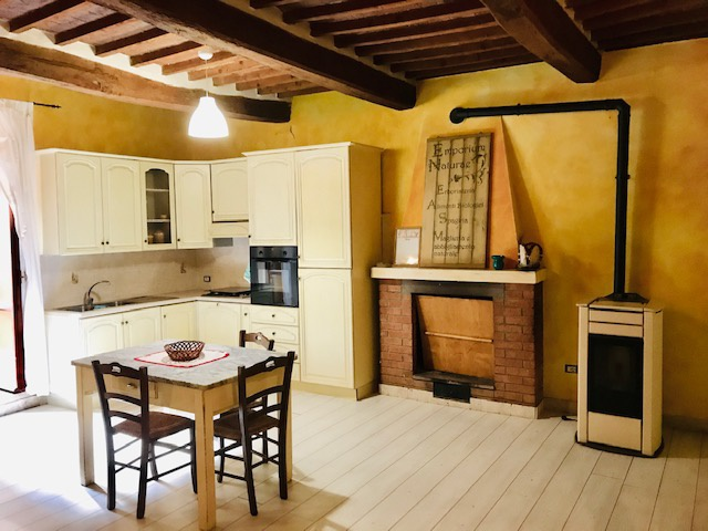 Appartamento ristrutturato arredato in vendita Rif. 10005345