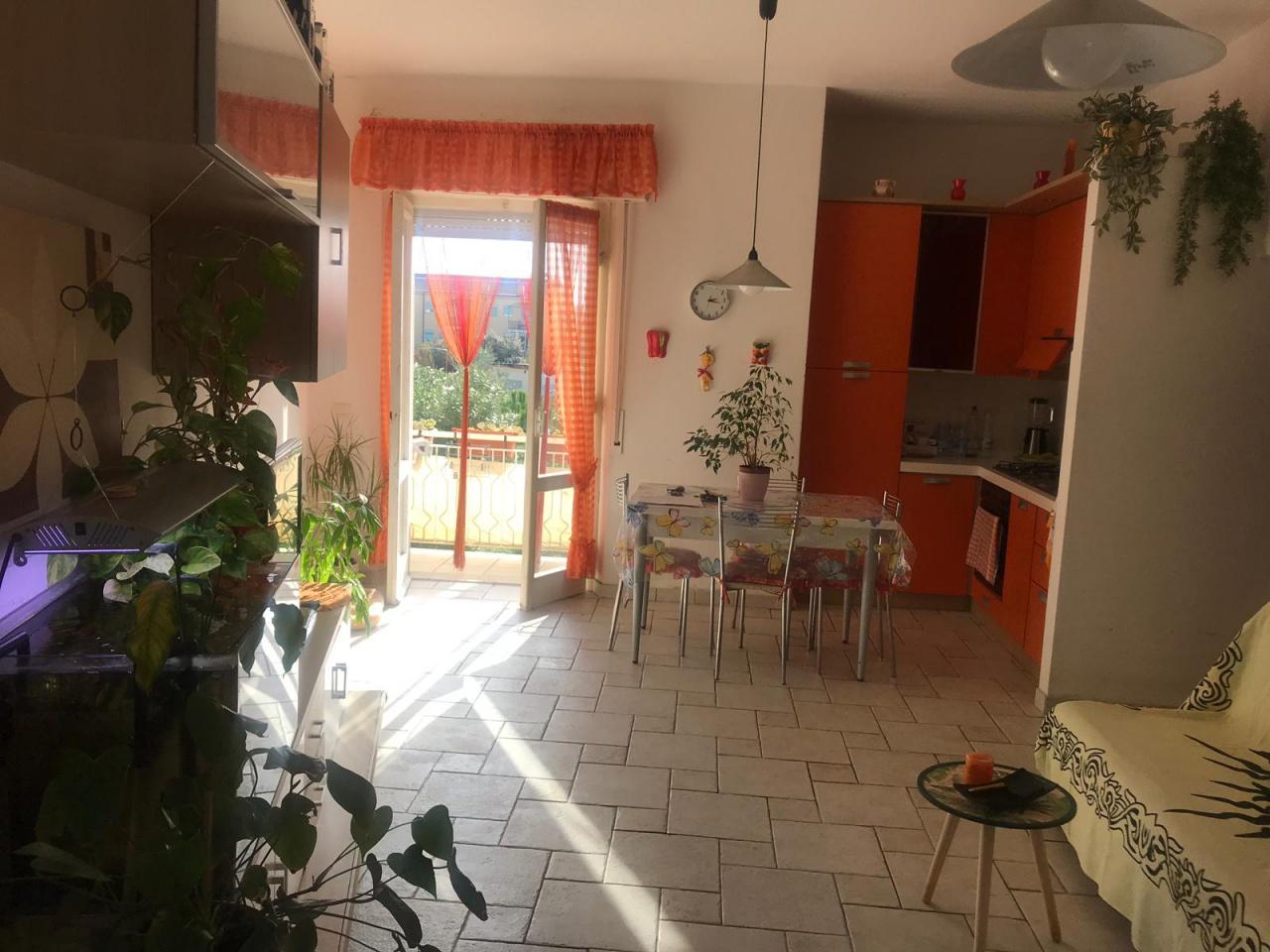 Appartamento in vendita a Follonica, 3 locali, prezzo € 250.000 | CambioCasa.it