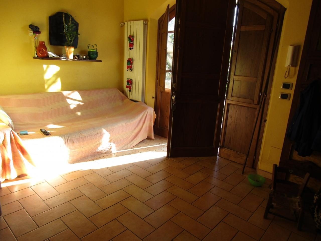 Villetta a schiera da ristrutturare in vendita Rif. 9852424