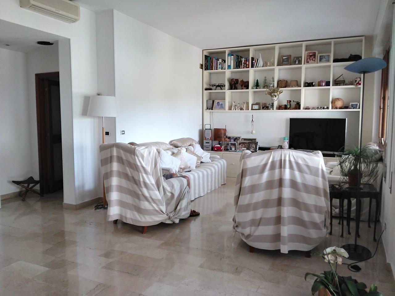 Attico / Mansarda in vendita a Camaiore, 7 locali, prezzo € 750.000 | PortaleAgenzieImmobiliari.it