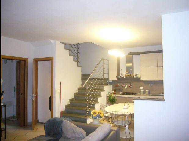 Villetta a schiera in vendita Rif. 9654230