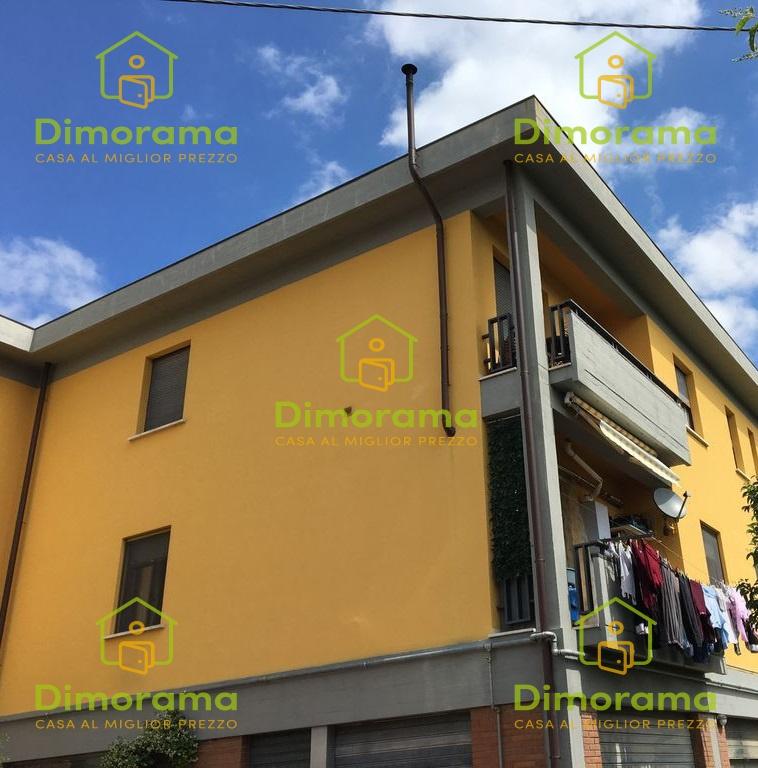 Appartamento in buone condizioni in vendita Rif. 11202855
