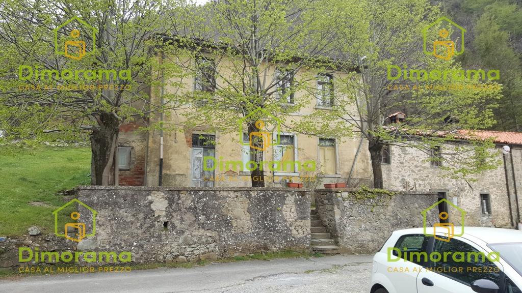 Villetta a schiera da ristrutturare in vendita Rif. 10893756