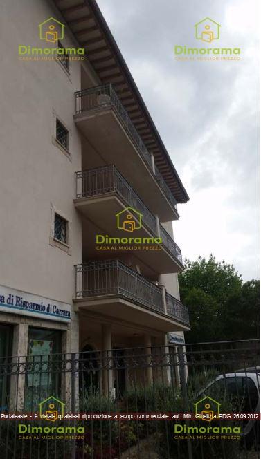Appartamento in buone condizioni in vendita Rif. 11273925