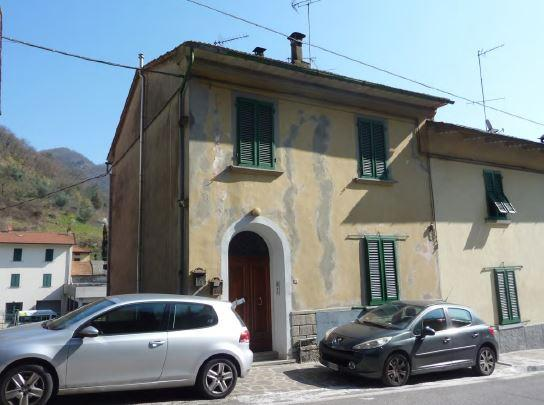 Bilocale Vernio Via Roma 74 4
