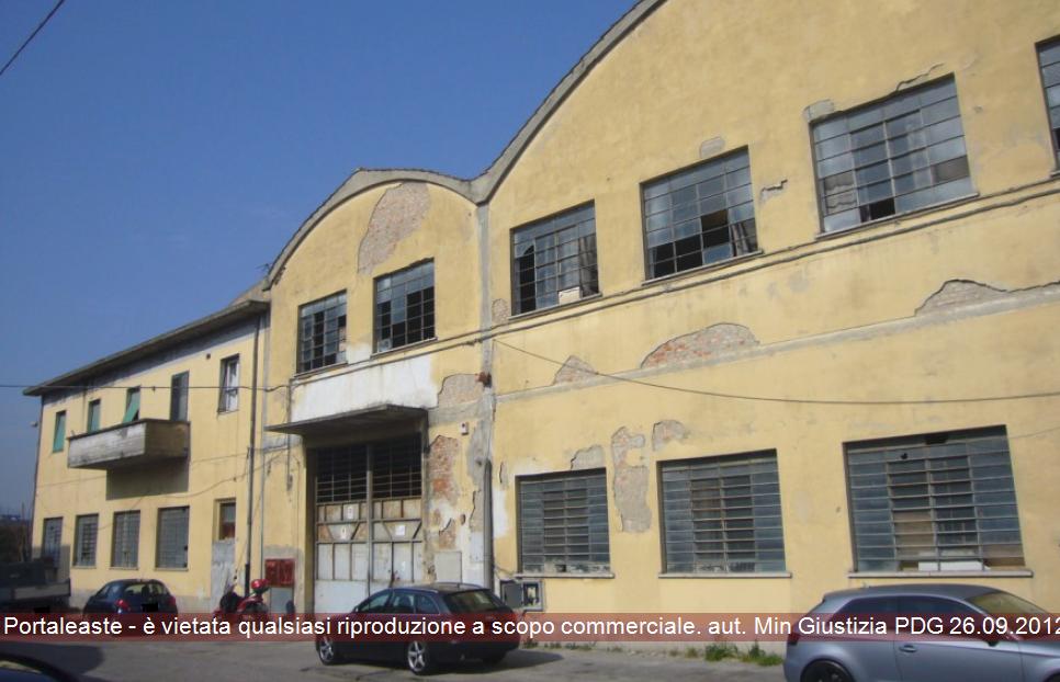 Magazzino - capannone in vendita Rif. 8700514