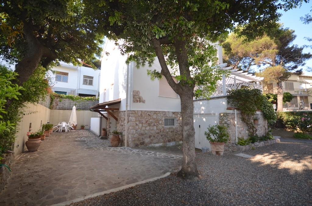 vendita appartamento rosignano marittimo castiglioncello  240000 euro  75 mq