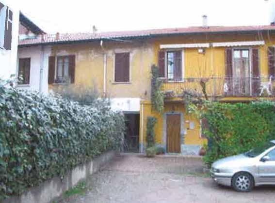 Bilocale Olgiate Olona Via Pietro Colombo, 27 1