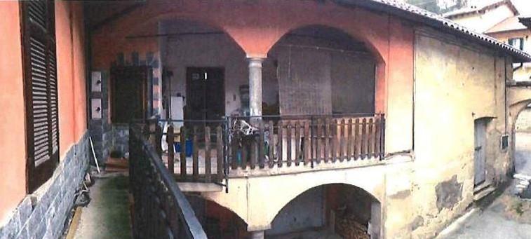 Appartamento in vendita Via De Bernardi Domenico 26 Besozzo