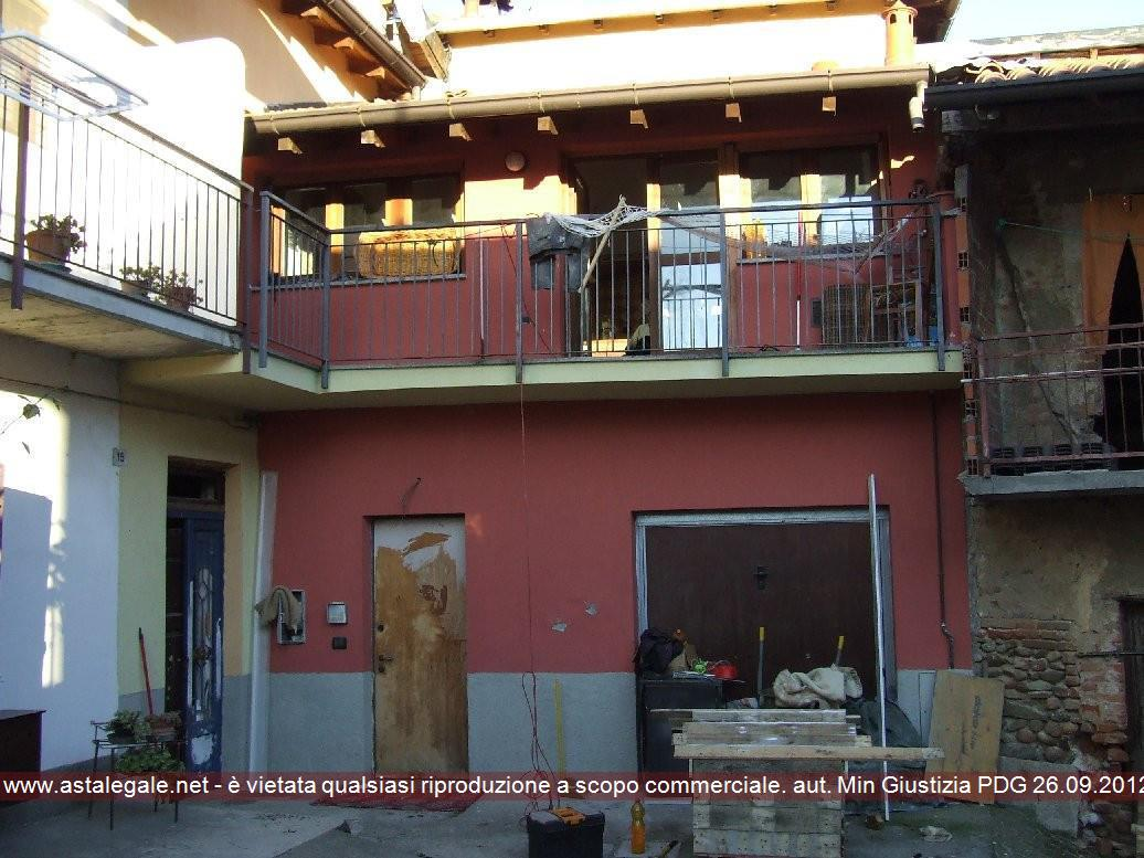Bilocale Carnago Via Stribiana 15 1
