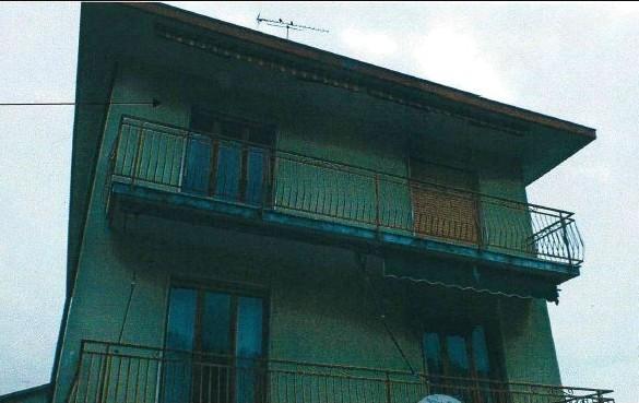 Appartamento in vendita Via Stocchetti 32 Besozzo