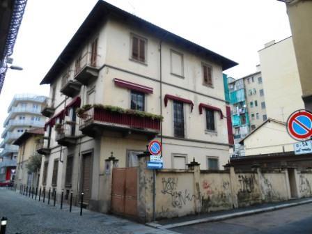 Bilocale Torino Via Ciamarella 8/1 13