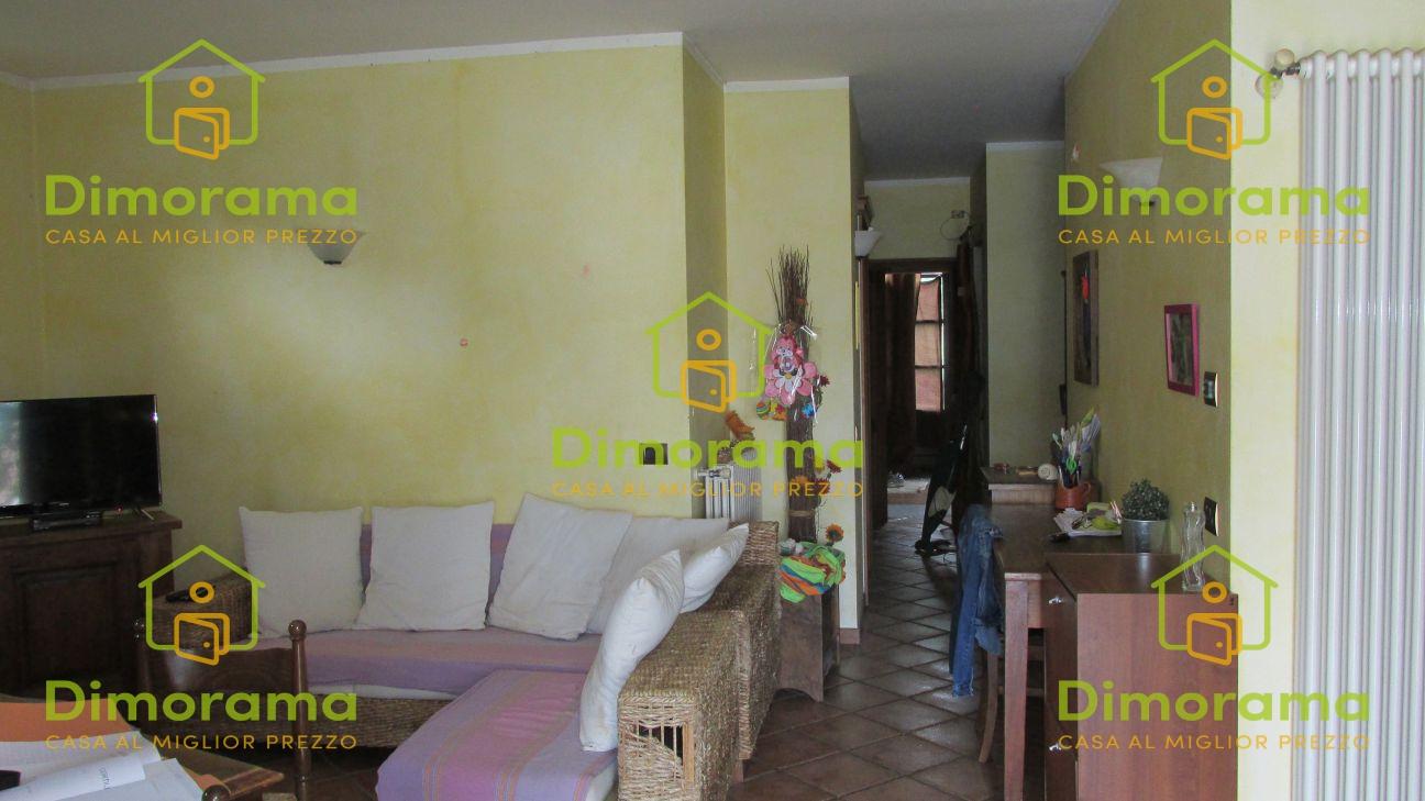 Appartamento in buone condizioni in vendita Rif. 11510547
