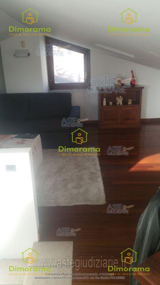 Villa in buone condizioni in vendita Rif. 11188952