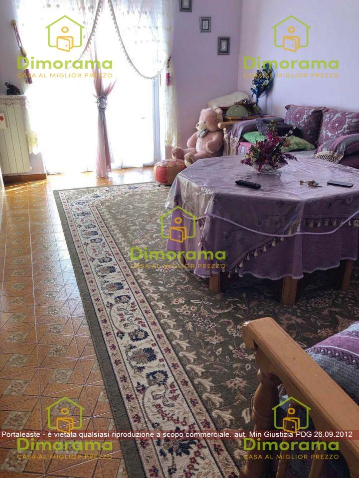 Appartamento in vendita Rif. 12040212