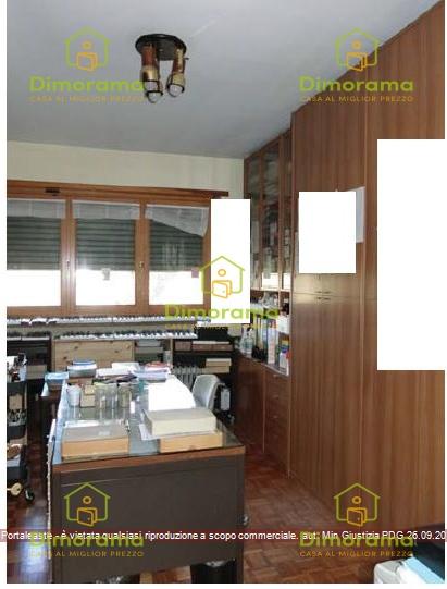 Appartamento in buone condizioni in vendita Rif. 11895732