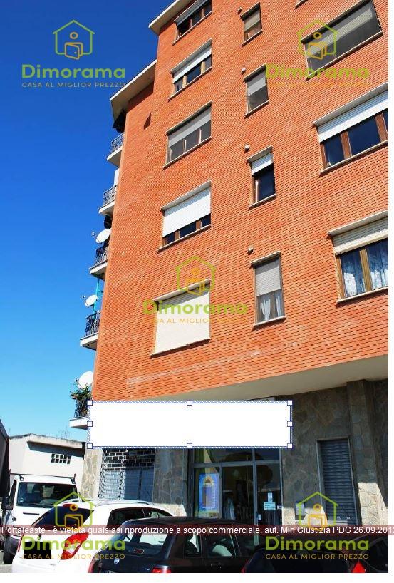 Appartamento in buone condizioni in vendita Rif. 11967054