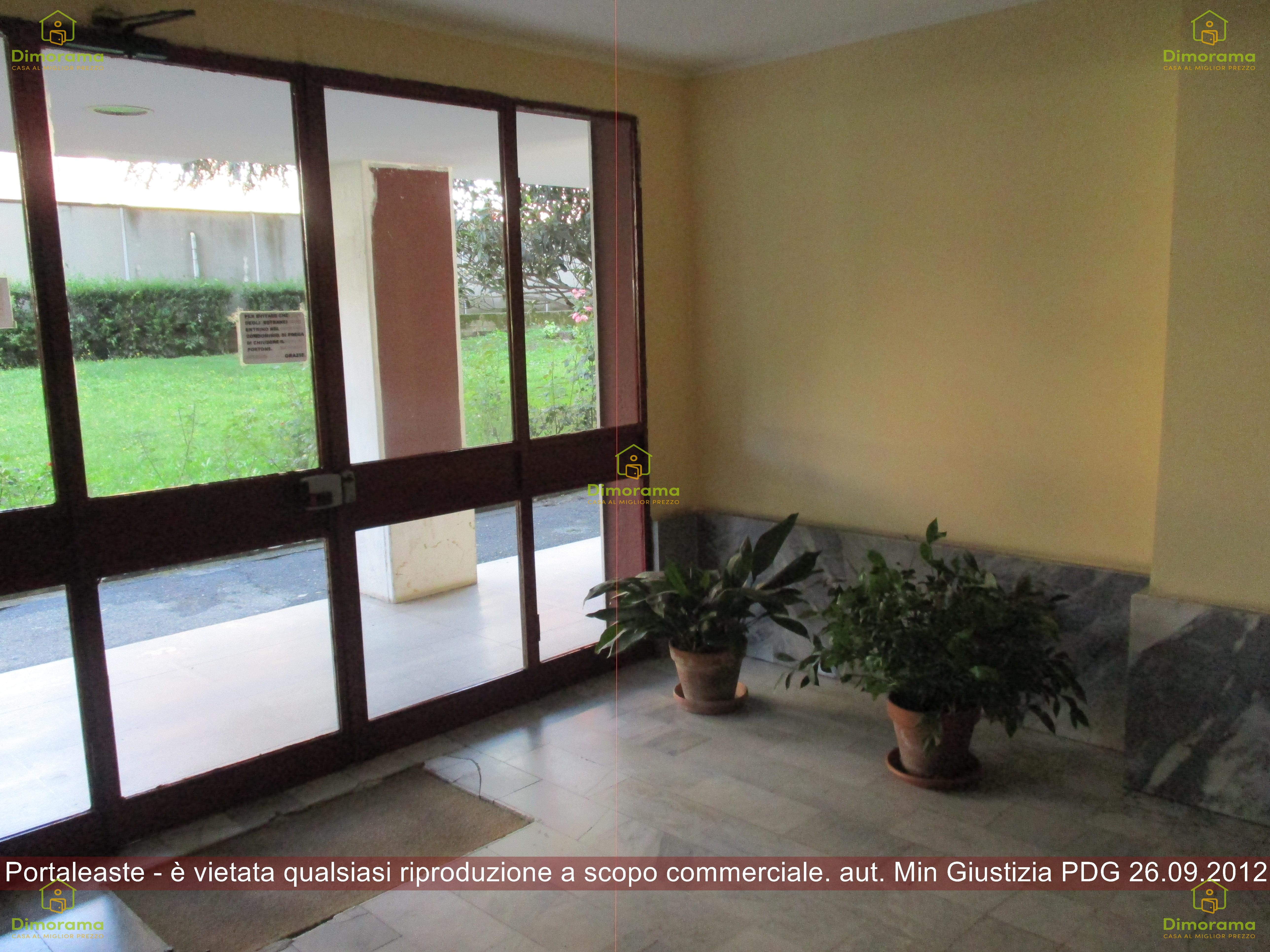 Appartamento in buone condizioni in vendita Rif. 12200289